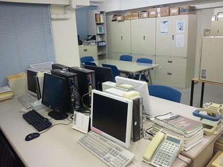 事務所の執務室2